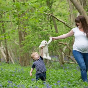 outdoor maternity photos brackley 13