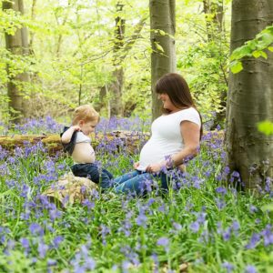 outdoor maternity photos brackley 16