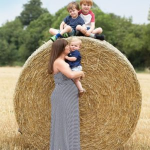 outdoor maternity photos brackley 4