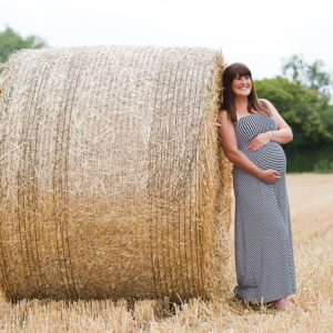 outdoor maternity photos brackley 7